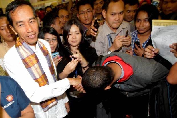 Jokowi Dielukan di Kompas Karier Fair