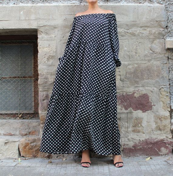 This is one of the newest models - BLACK AND OFF WHITE VISCOSE MAXI DRESS WITH POCKETS ...   THE TOP TRND THIS YEAR - THE HIPPIE , MAXI DRESS