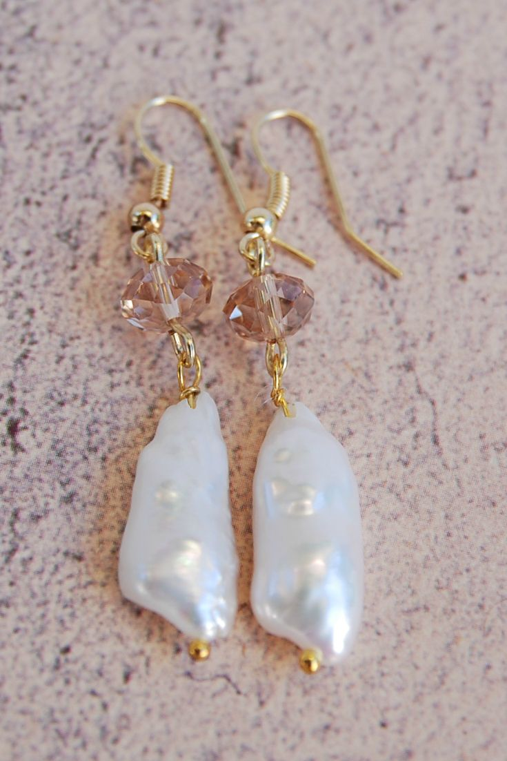 #baroquepearl  #bohemianearrings #pearlearrings