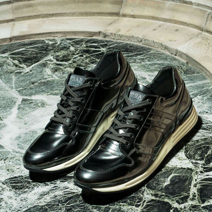 #HOGANREBEL TIME ACTIVE H148 in shiny leather effect. Discover urban inspiration here  #Sneakers #shoes #fashion #mens #style #black www.hoganrebel.com/men