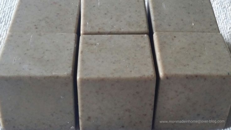 Savon ménager détachant, récurant (HV lin, cendre & terre de sommières) : bluffée par son efficacité !