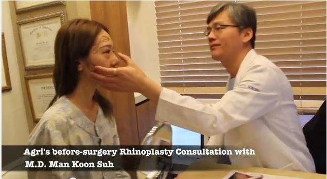 JW整形医院徐万群院长为新加坡求美者做鼻整形咨询及设计!