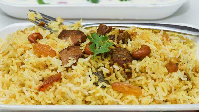 رز برياني باللحم بالصور Foodies Desserts Food Recipes
