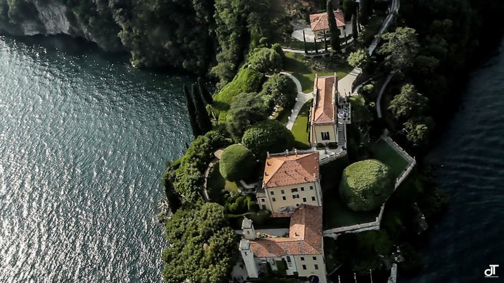 Amazing wedding on Lake Como www.danielatanzi.com From New York to Lake Como www.danielatanzi.com A fantastic wedding on Lake Como. Don't miss the video that I realized for the wedding of Margie and Ryan! vimeo.com/72282804 In this video trailer on Vimeo is also included in the flight by plane on Lake Como with the fantastic landing on the water in front of Villa del Balbianello!