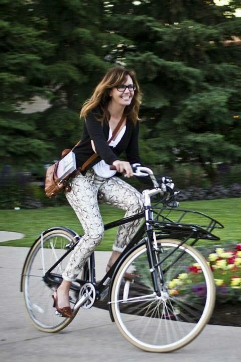 1000 ideas about girl bike on pinterest bicycle girl - Pictures of chicks on bikes ...
