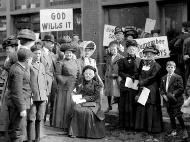 Members of the Women's Christian Temperance Union campaign for a prohibition amendment to the U.S. Constitution outside the Birmingham View Company on November 29, 1909. Debate over national prohibition factored heavily in a number of elections in Alabama.
