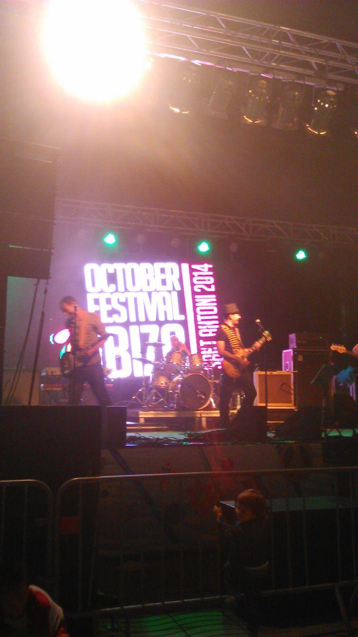 Ayer estuvimos en #ibizaoctoberfestival  Me gusta San Antonio en Octubre
