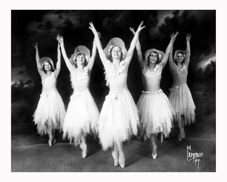 Vintage American Vaudeville Performer – 41 Old Portrait Photos Show Members of the Lovejoy Dancers in the 1930s