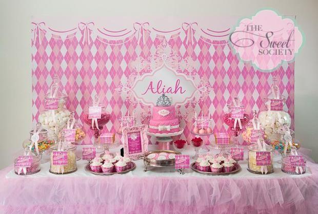 Una mesa de dulces para una fiesta princesa / A really pink sweet table for a princess party