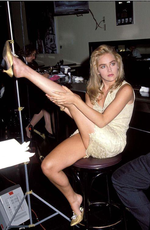 Sharon Stone   Sharon Stone   Sharon stone legs, Sharon ...