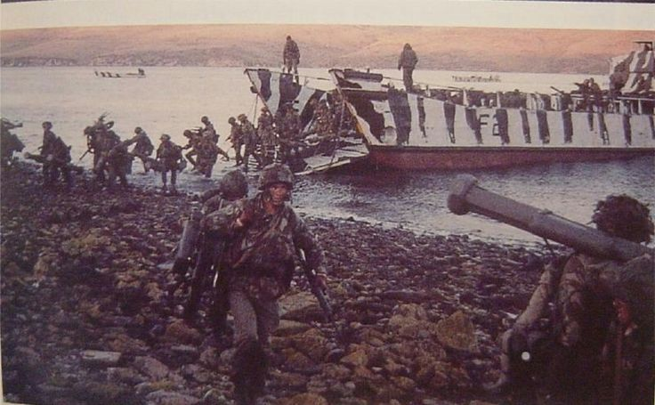 British landing - Falklands war, pin by Paolo Marzioli