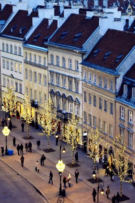 Christmas decoration.. Old Town of Warsaw, Poland.  Our tips for 25 places to see in Poland: http://www.europealacarte.co.uk/blog/2011/12/05/what-to-do-poland/