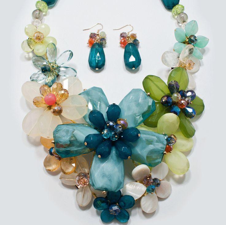http://kareliafj.tictail.com/product/flower-big-necklace-earring-set