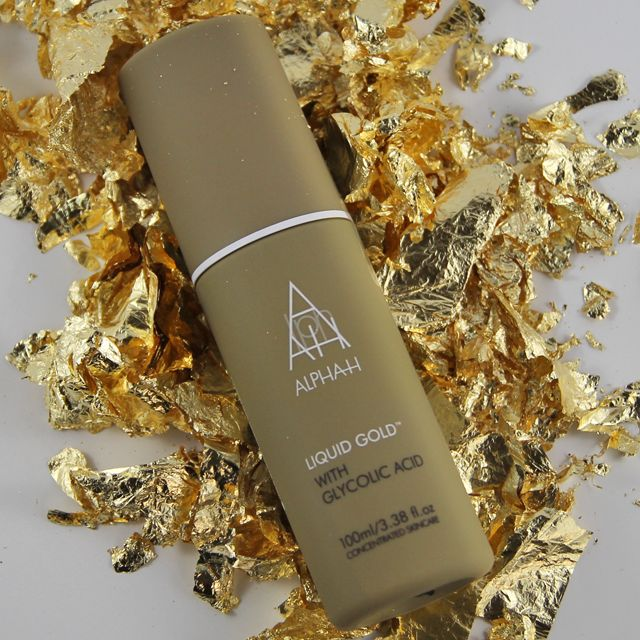 Uncover radiant skin in minutes! Clinical studies show that in just 20 minutes, Liquid Gold increases moisture levels in the skin, improves wrinkle depth and reduces skin roughness. http://ow.ly/KgP9U
