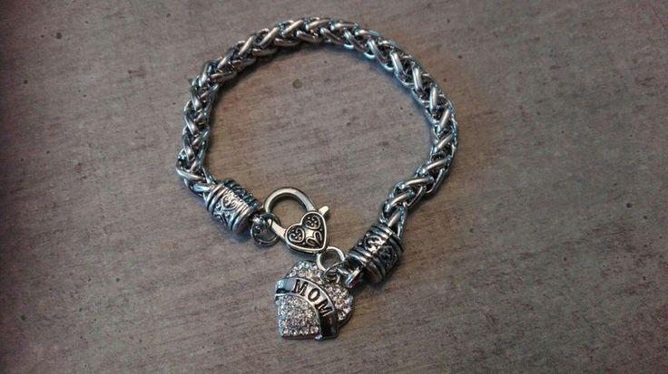 Bracelet mom