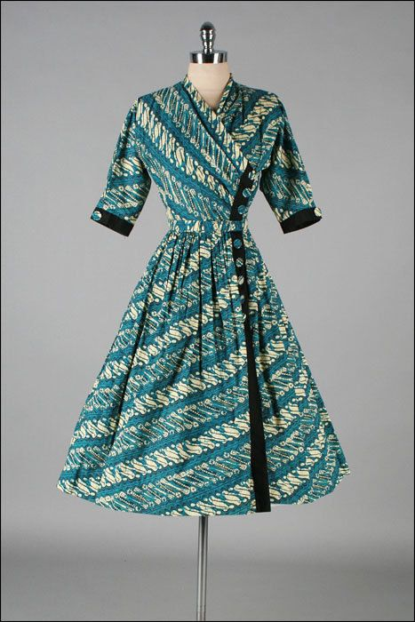 Vintage 1940s Dress NELLY DON Batik Print