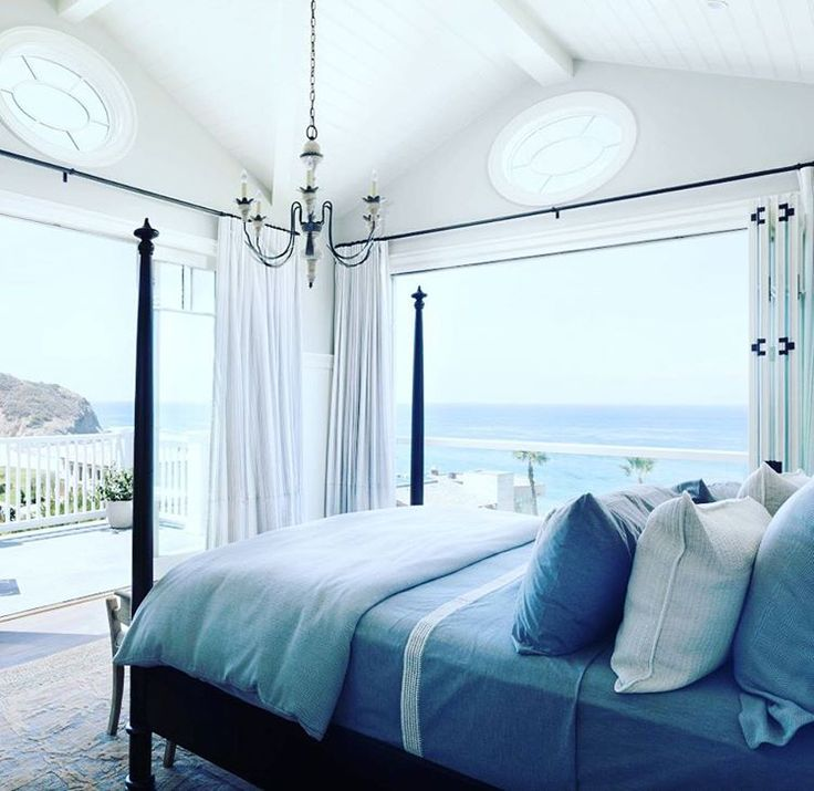 { W E E K S E N D }  Such a gorgeous weekend!  When you have a beautiful bedroom it's easy to get a great night's sleep.  Wishing you all a wonderful week ahead and thanks to #branddesigngroup for our Sunday inspiration xx