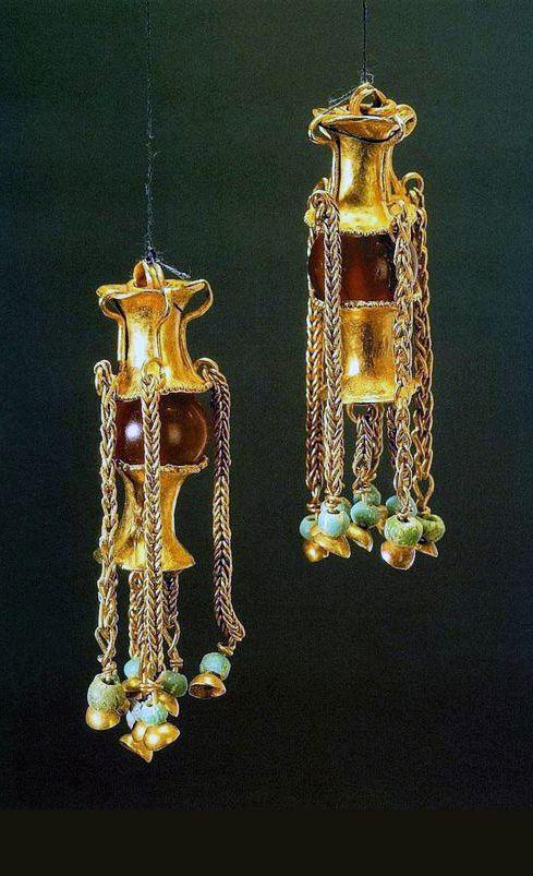 Сарматские парные подвески Конец 1 - начало 2 века Золото, сердолик, цветное…