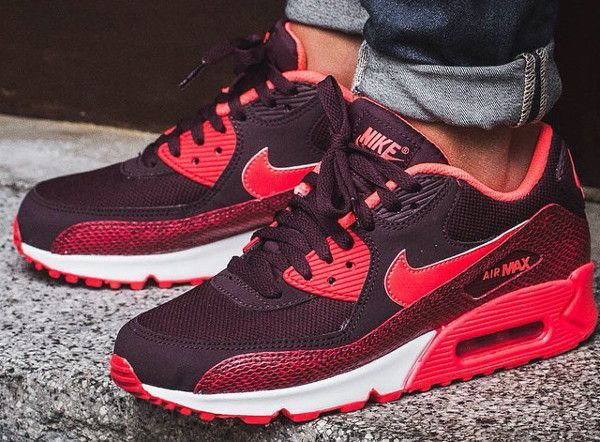 Nike Air Max 90 « Burgundy Snake » post image