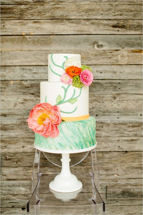 Colorful wedding details sure to inspire! #weddingchicks Captured By: Tucker Images http://www.weddingchicks.com/2014/09/19/colorful-wedding-inspiration/