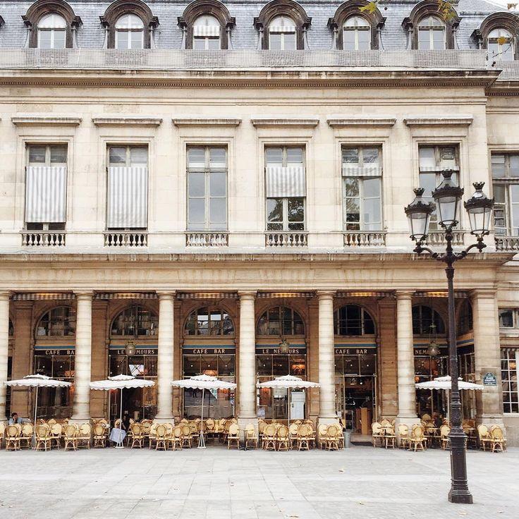 Le Royal Paris Cafe