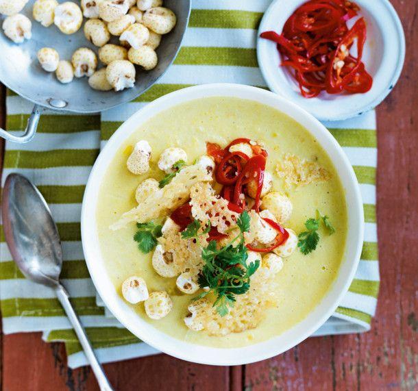 Unser beliebtes Rezept für Maiscremesuppe mit Peperoni und Parmesanchips und mehr als 55.000 weitere kostenlose Rezepte auf LECKER.de.