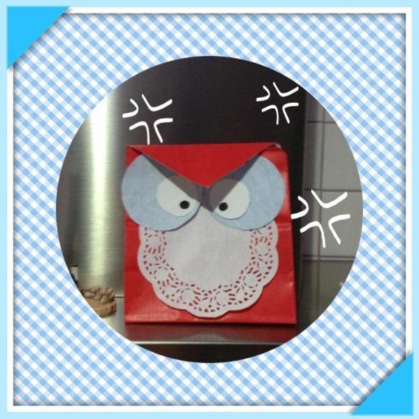 E come trasformare un semplice sacchetto per regalare cioccolatini e caramelle in un simpaticissimo pipistrello??? Basta chiedere a Vale Design su vina@live.it... E per essere originali può anche essere un' ottima idea per i doni della Befana