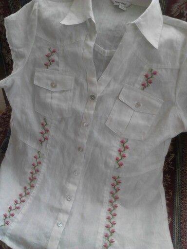 Blusa bordada en Punto de Cruz