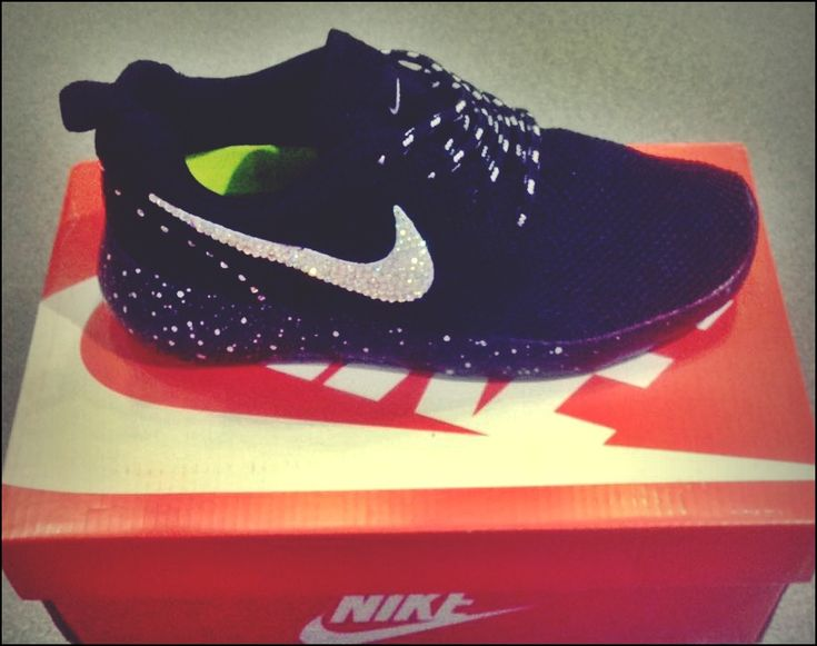 Nike γυναικεία με Swarovski