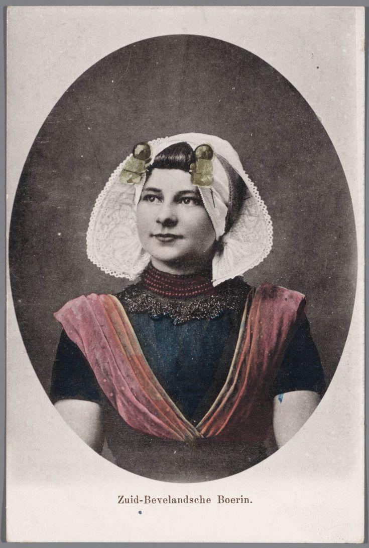 Vrouw in protestantse Zuid-Bevelandse streekdracht. voor 1905 #Zeeland #ZuidBeveland #protestant