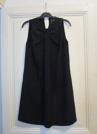 À vendre sur #vintedfrance ! http://www.vinted.fr/mode-femmes/petites-robes-noires/26779544-petite-robe-noire-mango-suit