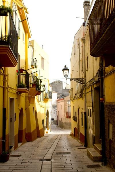 Italian cobblestone streets of Irsina in Basilicata, Italy
