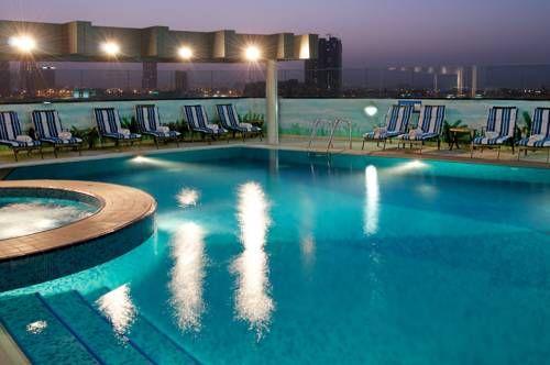 I nærheten liggerMall of the Emirates Mall of the Emirates flickr/ neekoh.fi  City Seasons Hotel Dubai ved flyplassen Deira   I nærheten ligger … Read More ›