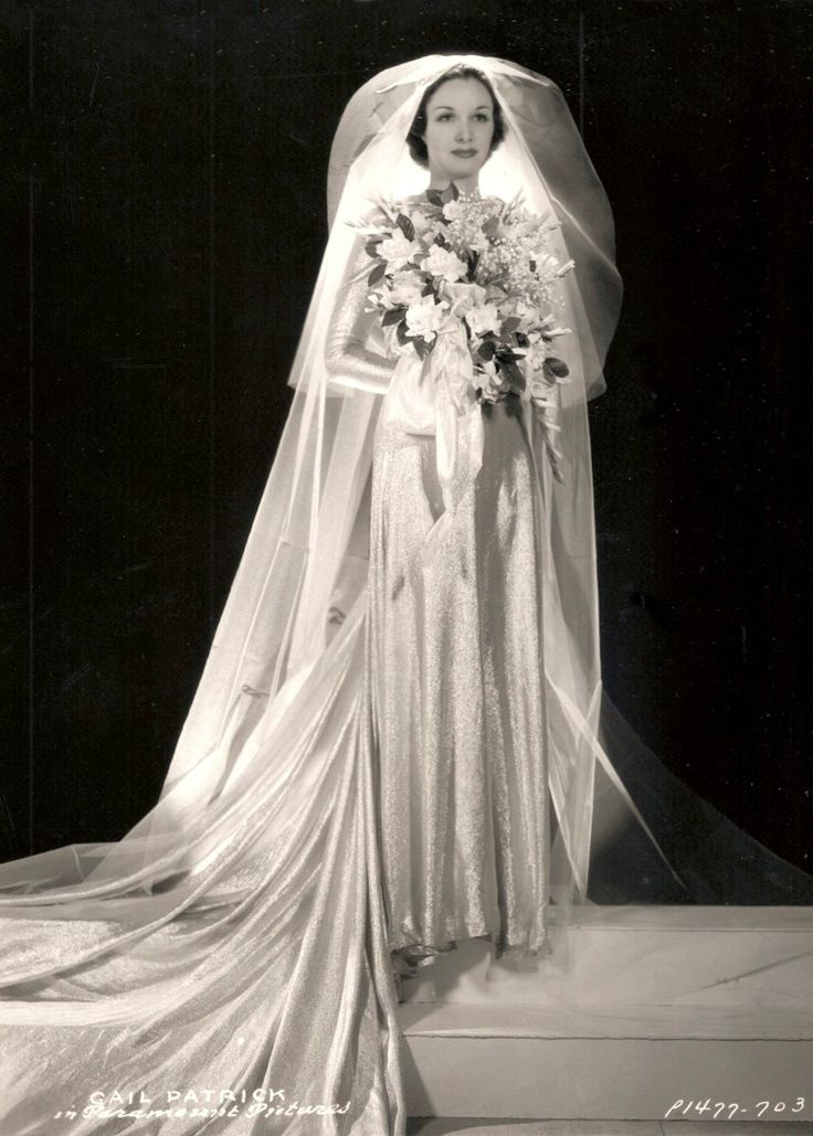 1930 39 s wedding dress with long veil gail patrick 1936 for Long veil wedding dresses