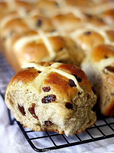 Hot cross buns - the recipe I've been using for years <3