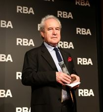 Benjamin Black gana el XI Premio RBA de Novela Policiaca con la obra Pecado.