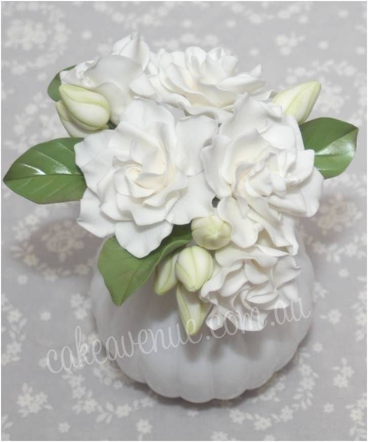 Gardenia Sugar Flowers (made from gumpaste)