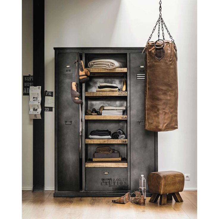 Industrial-style wardrobe in solid metal and mango wood
