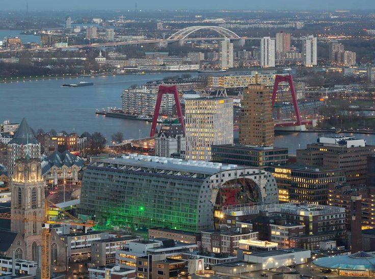 Rotterdam met de Markthal prominent in beeld.