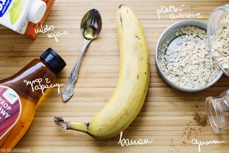 Bananowe placuszki owsiane http://thecarolinasbook.net/karolina-w-kuchni-przepis-na-bananowe-placuszki-owsiane/