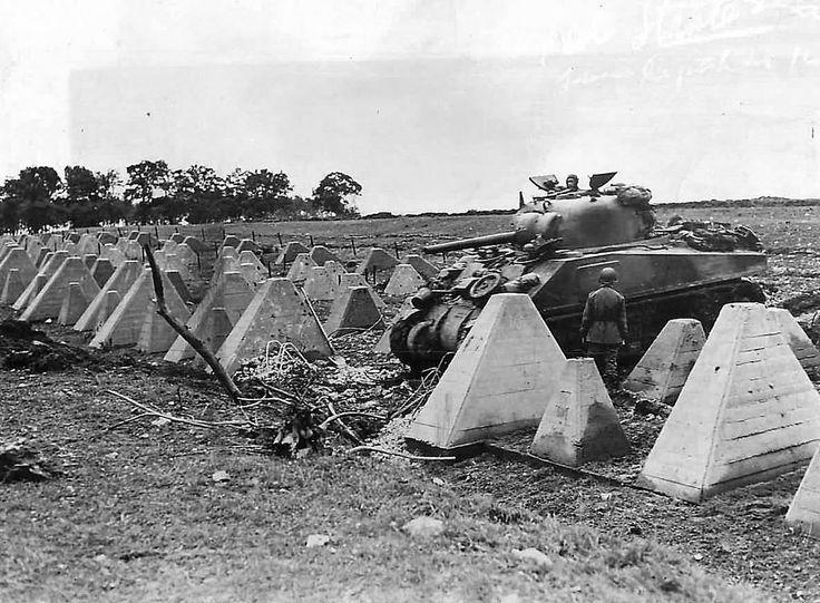 https://flic.kr/p/CkLsfd | M4 Sherman of the 3rd Armored Division Crossing Dragons Teeth of Siegfried Line September 1944 Roeten