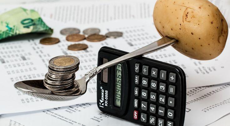 Według badań Fundacji Kronenberga Polacy dysponują coraz większym dochodem rozporządzalnym, dochody różnią się jednak, w zależności od różnych grup społecznych, a także regionu. Najwięcej wydajemy, oczywiście obok opłat eksploatacyjnych, na żywność i napoje bezalkoholowe, keóre stanowią średnio 1/4 dochodów. Wysokość wydatków też się zmienia, w zależności od wieku. Rachunki rosną wraz z wiekiem. Czyli od 40. do 59. roku życia są one największe,  a później czyli po 60. roku życia są one…