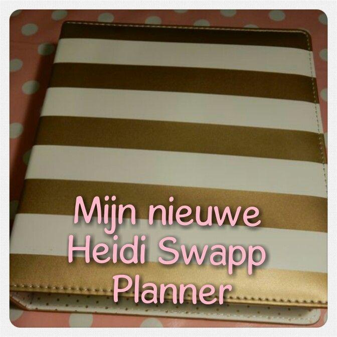 Ik heb de goud wit gestreepte a5 versie gekozen!  #heidiswapp #planner #agenda