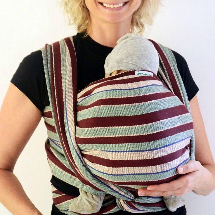 O carregador de pano Wrap de sarja cruzada garante conforto e respeito à coluna do bebê e de quem carrega.
