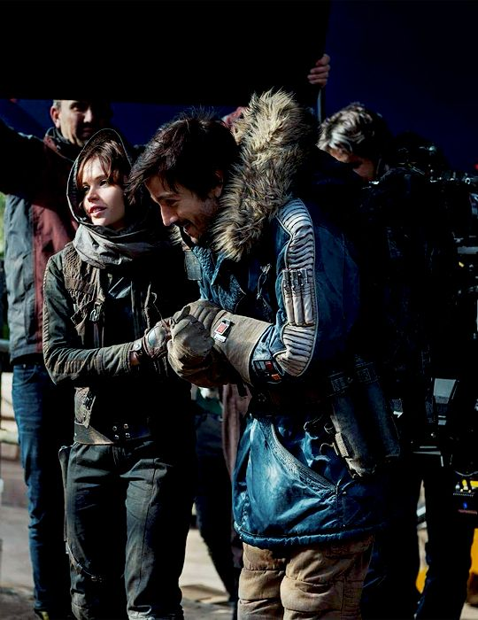 Behind the scenes photo of Diego Luna and Felicity Jones - Rogue One: A Star Wars Story