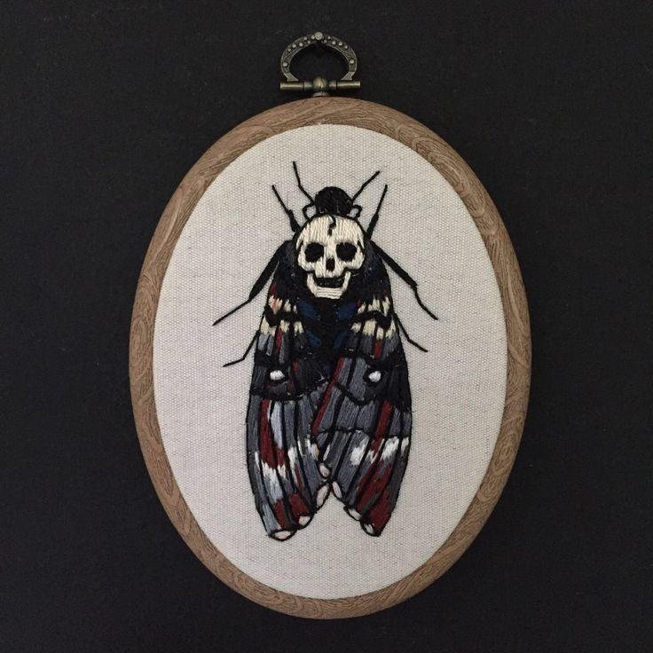Een persoonlijke favoriet uit mijn Etsy shop https://www.etsy.com/listing/293779391/embroidery-hoop-death-heads-moth
