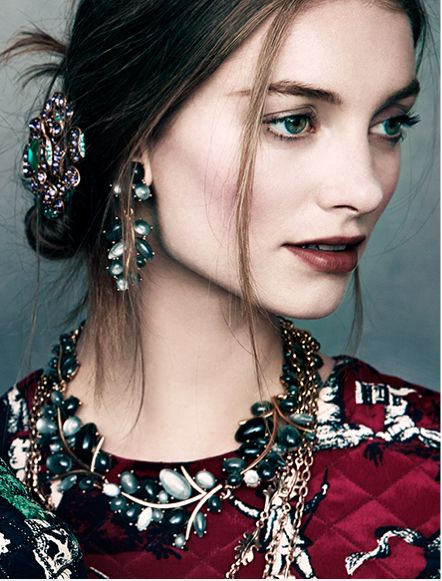 Oscar de la Renta fashion jewelry