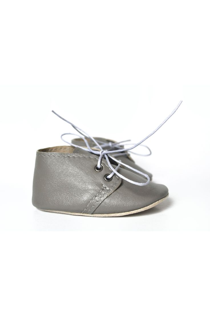 Grey baby leather shoes by MiniMo.