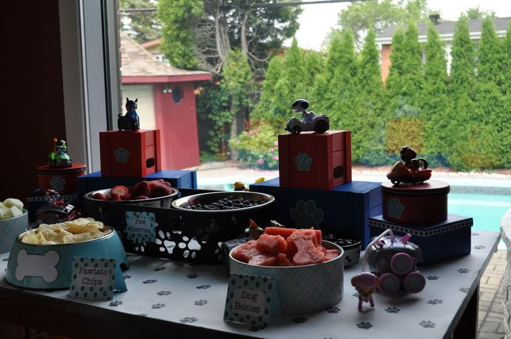 Snack Table from a Paw Patrol Birthday Party #pawpatrol #pawpatrolideas #pawpatrolsnacks