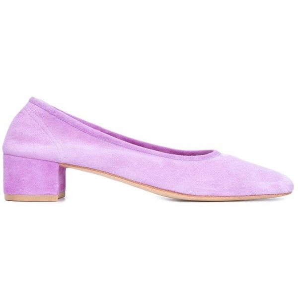 Maryam Nassir Zadeh Violet Suede Roberta Pumps (2.895 DKK) ❤ liked on Polyvore featuring shoes, pumps, purple, purple pumps, maryam nassir zadeh, purple shoes, suede pumps and purple suede pumps